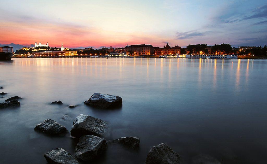 Bratislava pri západe Slnka