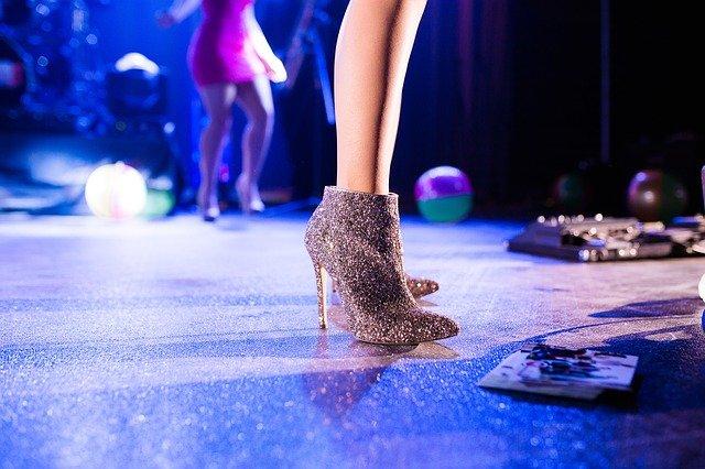 Vysoká dámska obuv