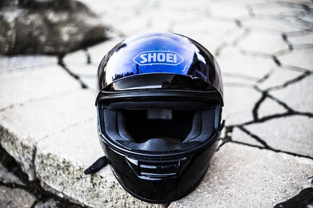 Prilba (helma) na motorku